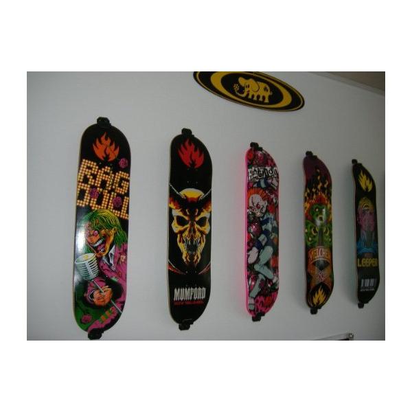 Skateboard Wall Mount, Display Rack Hanger (Burton Black)
